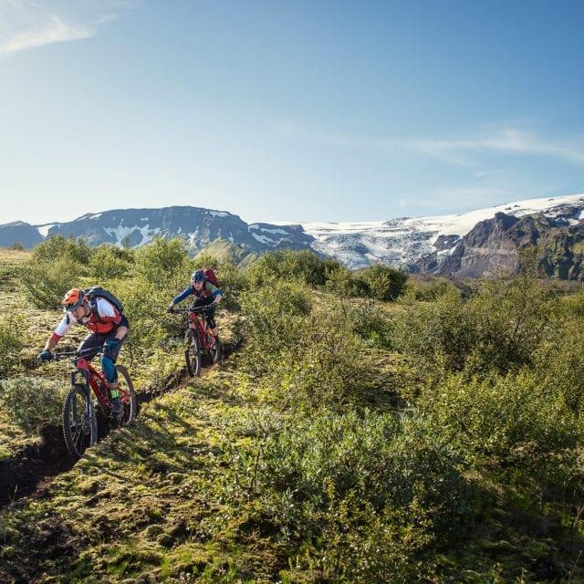 Tobias Woggon and Greta Weitaler bike